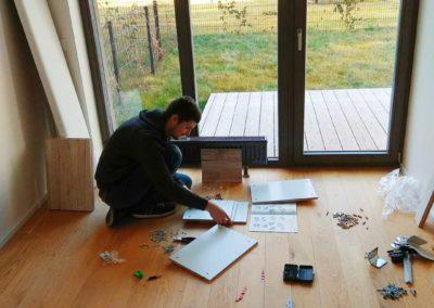 Montáž nábytku – postele a obývací stěny