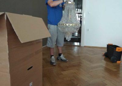 Stěhování křišťálových lustrů