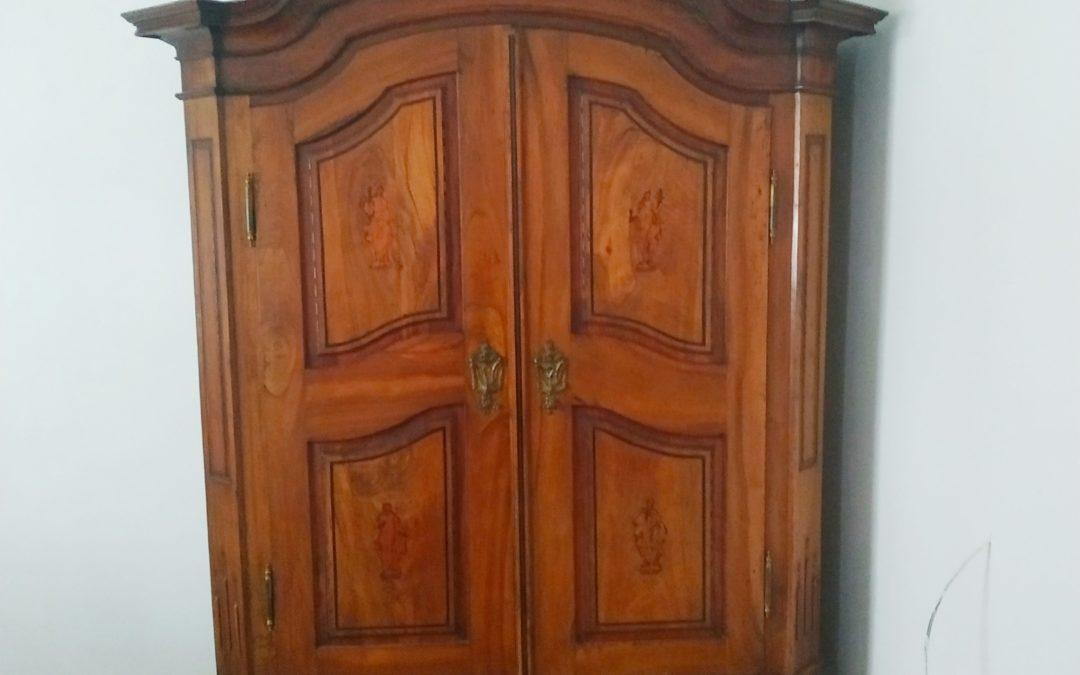 Dvojí stěhování starožitného nábytku